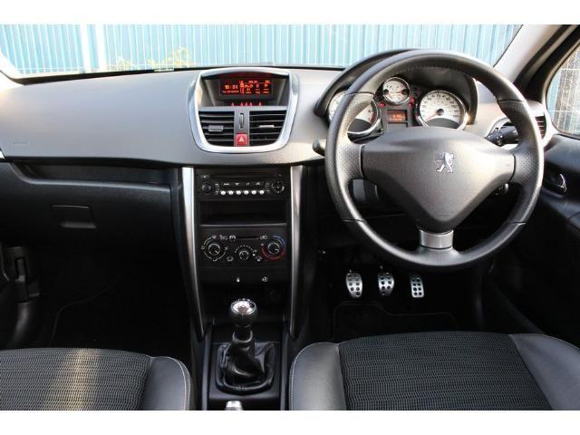 2012 Peugeot 207 1.6 VTi 120 Allure image 4