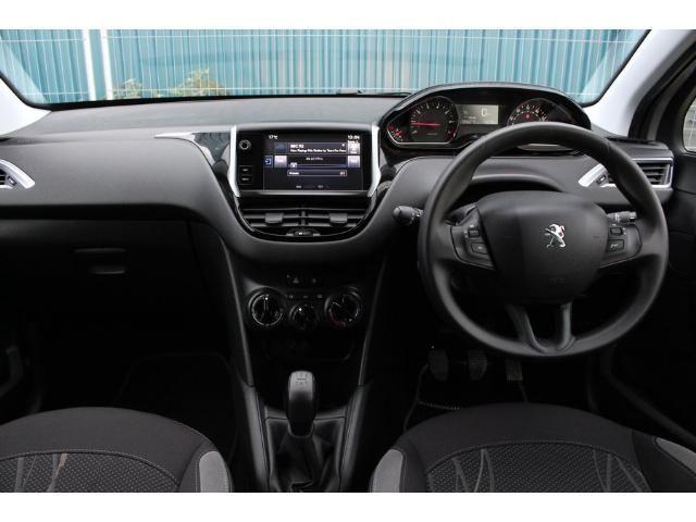 2014 Peugeot 208 1.0 VTi 68 Active image 4