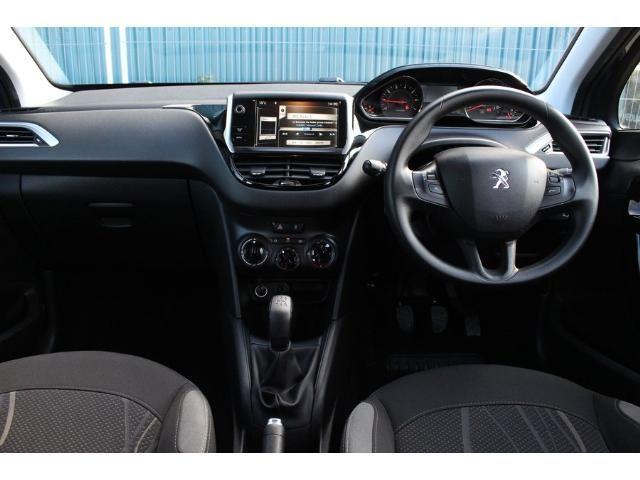2014 Peugeot 208 1.2 VTi 82 Active image 4