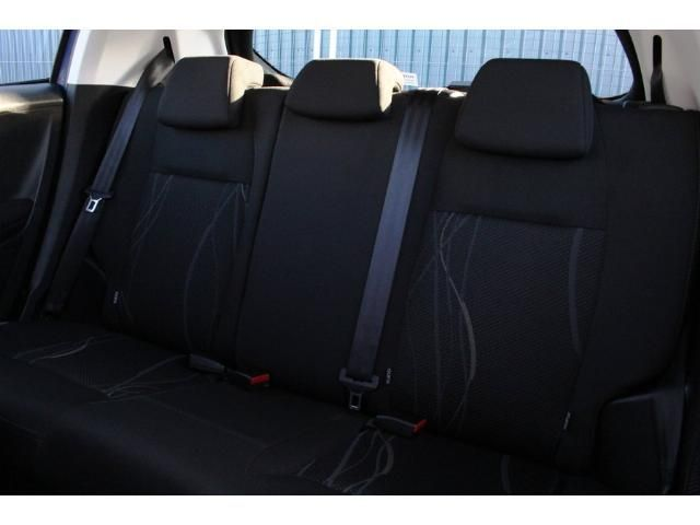 2014 Peugeot 208 1.2 VTi 82 Active image 5