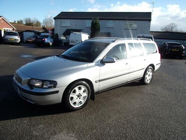 2001 Volvo V70 2.4 SE 5dr image 1