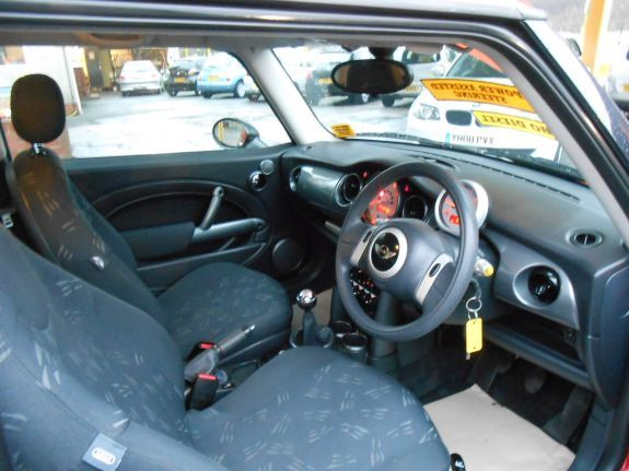 2005 MINI Hatch One 1.4 One D 3dr image 5