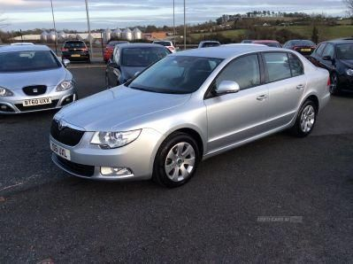 2011 Skoda Superb S TDI CR 140 image 1