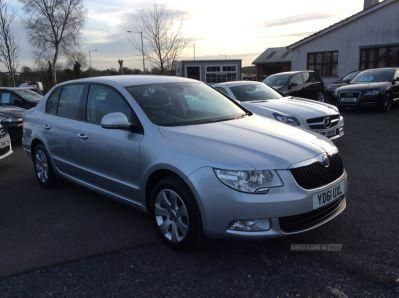 2011 Skoda Superb S TDI CR 140 image 2