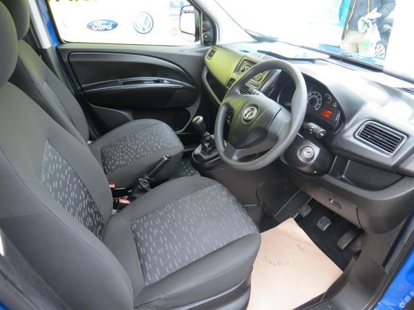 2014 Vauxhall Combo 2000 1.3 CDTI image 5