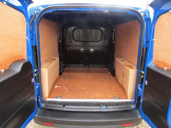 2014 Vauxhall Combo 2000 1.3 CDTI image 6