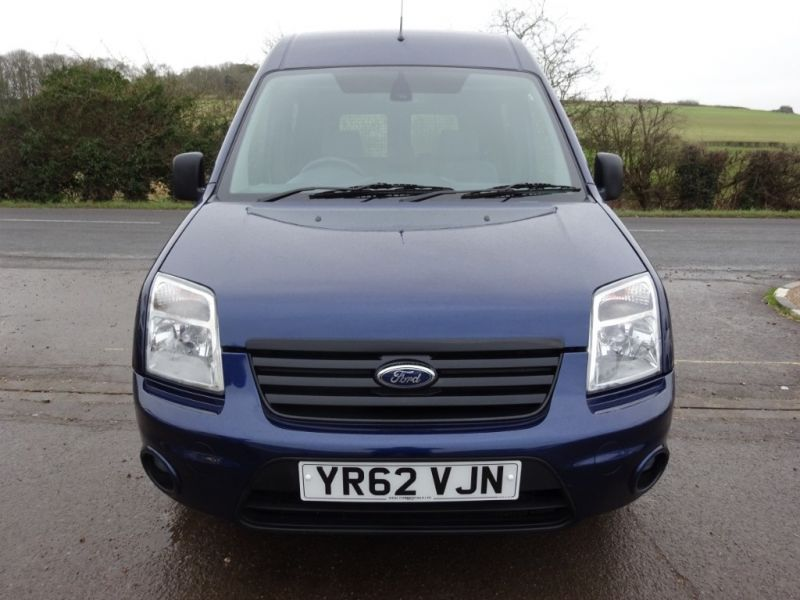 2012 Ford Transit Connect T230 Trend Hr Dcb image 2