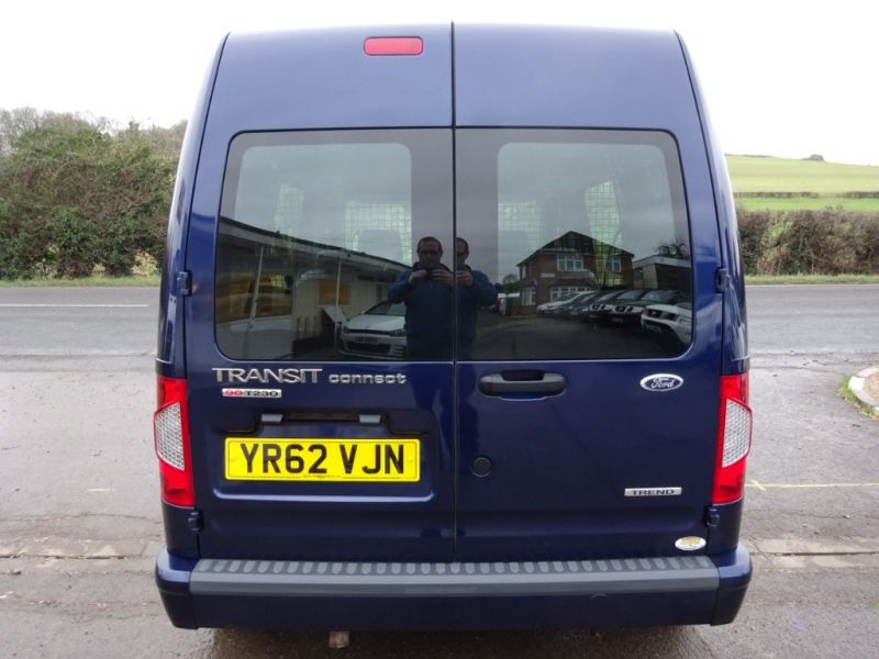 2012 Ford Transit Connect T230 Trend Hr Dcb image 3