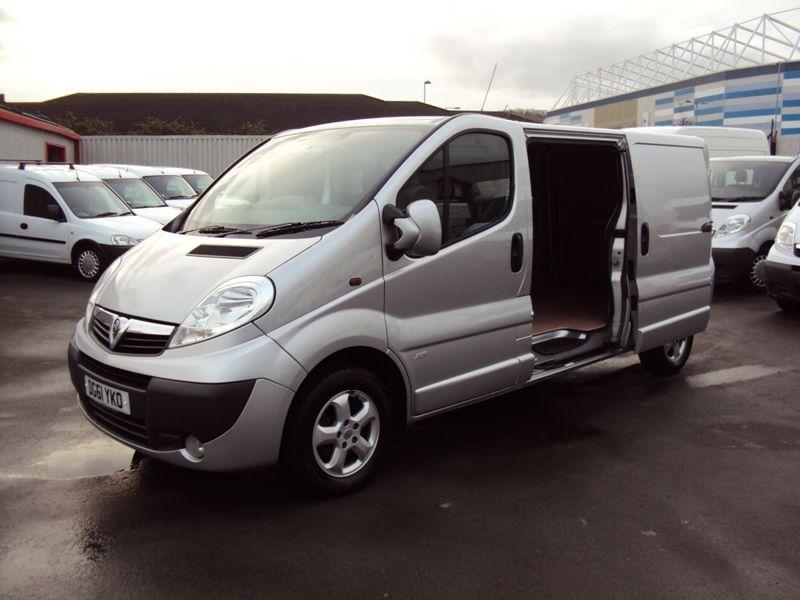 2011 Vauxhall Vivaro 2.0CDTi image 1