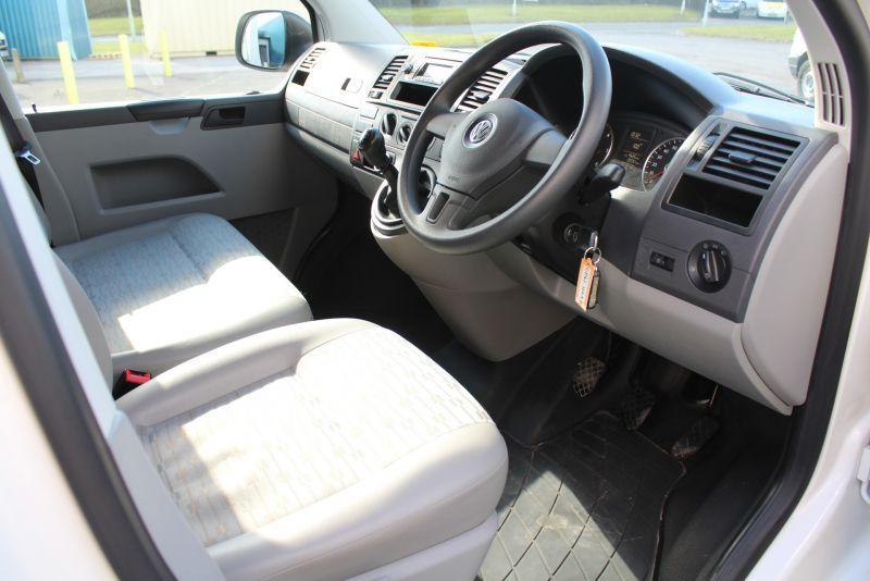 2012 Volkswagen Transporter T28 T5 2.0 Tdi image 8