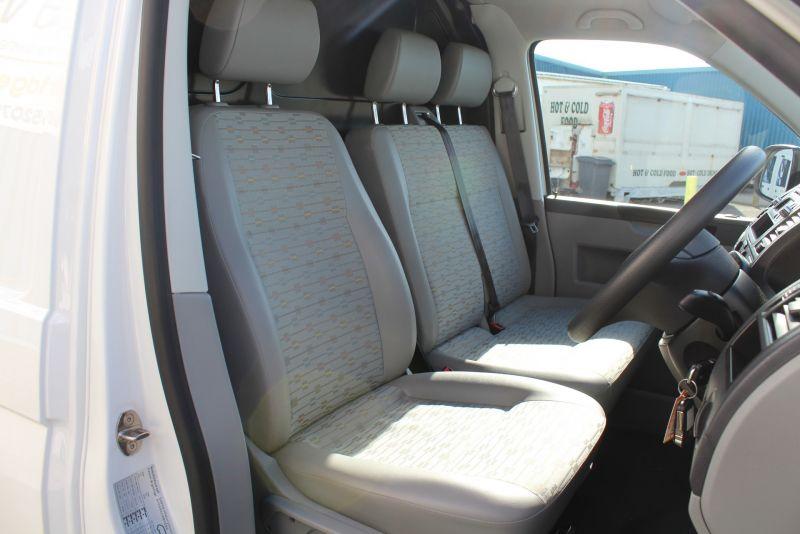 2012 Volkswagen Transporter T28 T5 2.0 Tdi image 9
