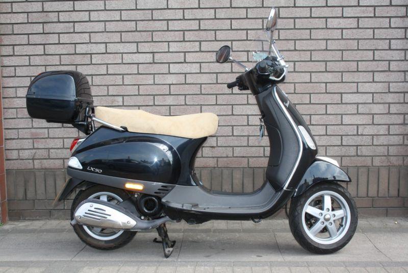 2006 Piaggio Vespa LX50 image 1