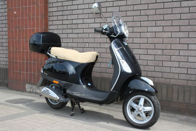 2006 Piaggio Vespa LX50 image 2