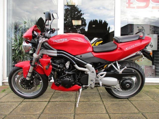 2004 Triumph Speed Triple 955 image 2