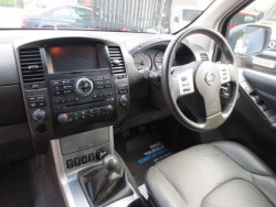 2013 Nissan Navara Tekna Connect 2.5DCi 4x4 image 7