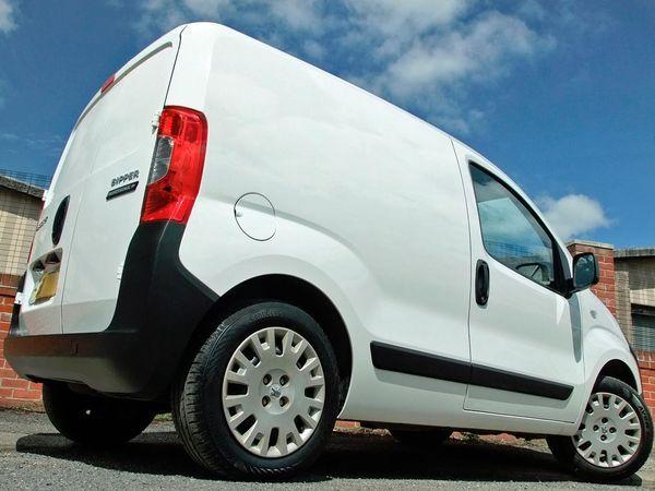 2012 Peugeot Bipper Professional HDi image 6
