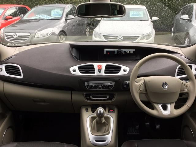 2010 RENAULT SCENIC 1.5 DCI 5DR image 7