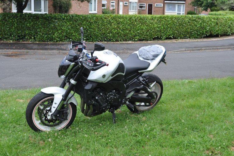 2012 Yamaha FZ1 URGENT!!! image 3