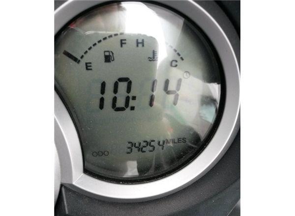 2005 Triumph Sprint 1050 ST image 3