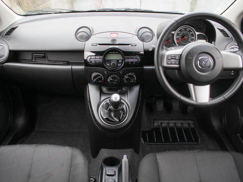2014 Mazda2 Tamura image 6