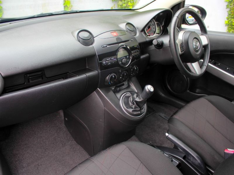 2013 Mazda2 Tamura image 5