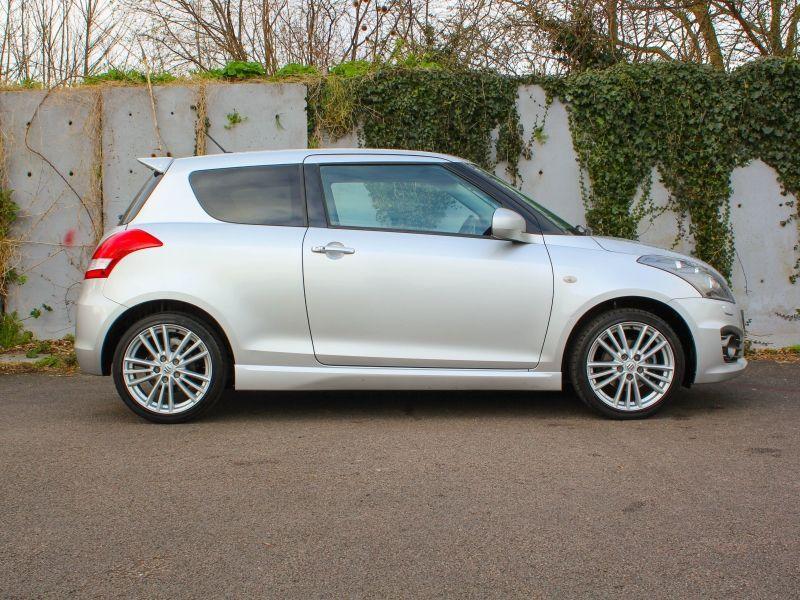 2014 Suzuki Swift Sport image 3