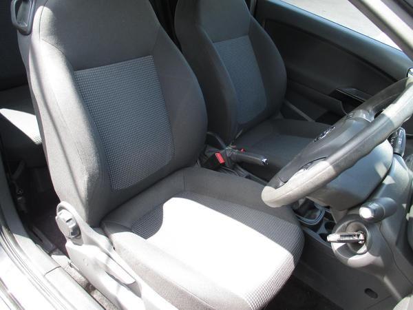 2011 Vauxhall Corsa 1.0 ecoFLEX image 6