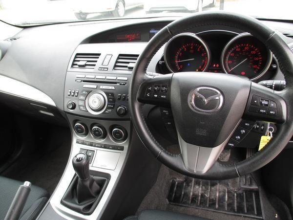 2011 Mazda 3 1.6 Takuya image 8
