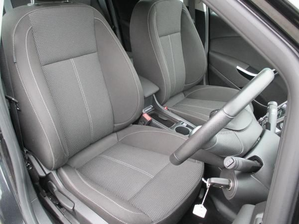 2012 Vauxhall Astra 1.7 CDTi 16V image 6