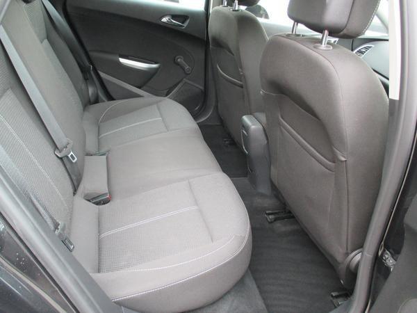 2012 Vauxhall Astra 1.7 CDTi 16V image 7