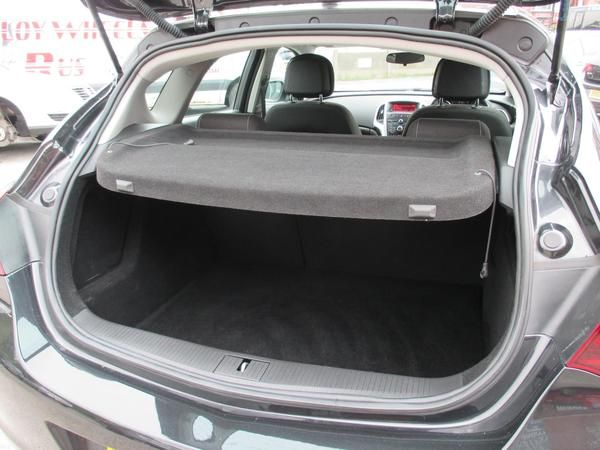 2012 Vauxhall Astra 1.7 CDTi 16V image 8