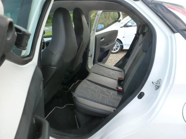 2015 Toyota Aygo 1.0 VVT-i 5dr image 5