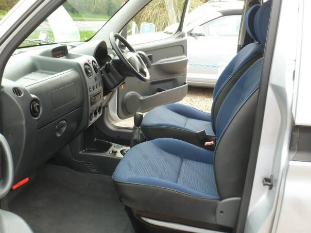 2010 Peugeot Partner Combi 1.4 6dr image 5