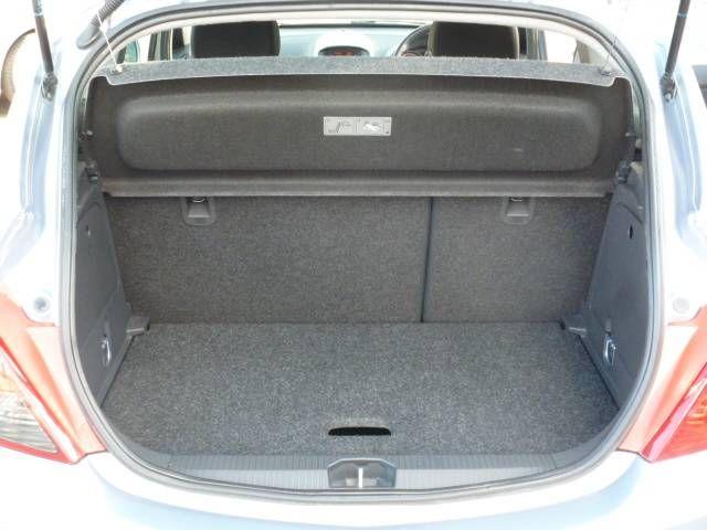 2007 Vauxhall Corsa 1.4i 16V SXi 3dr image 8