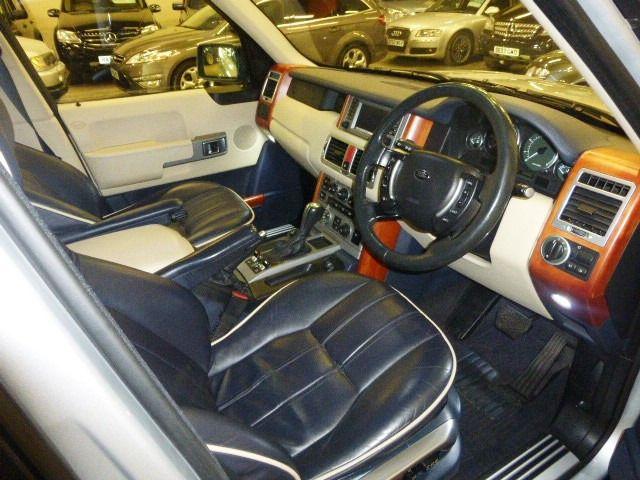 2003 Land Rover Range Rover 4.4 V8 VOGUE 5d image 9