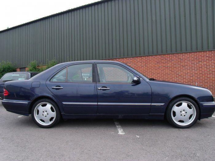 2000 Mercedes-Benz 2.4 E 240 image 3