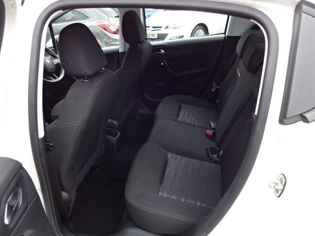 2013 Peugeot 208 Access Plus image 7