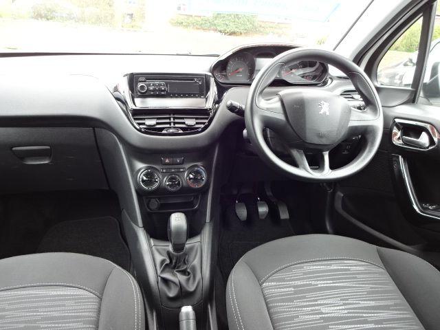 2013 Peugeot 208 Access Plus image 8