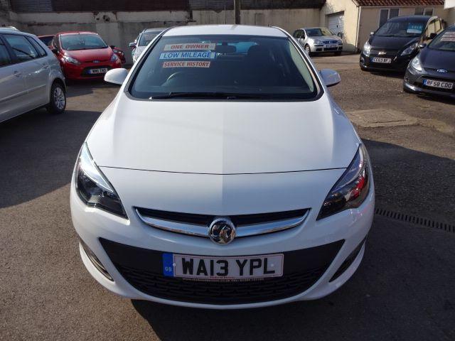 2013 Vauxhall Astra 1.4i image 2