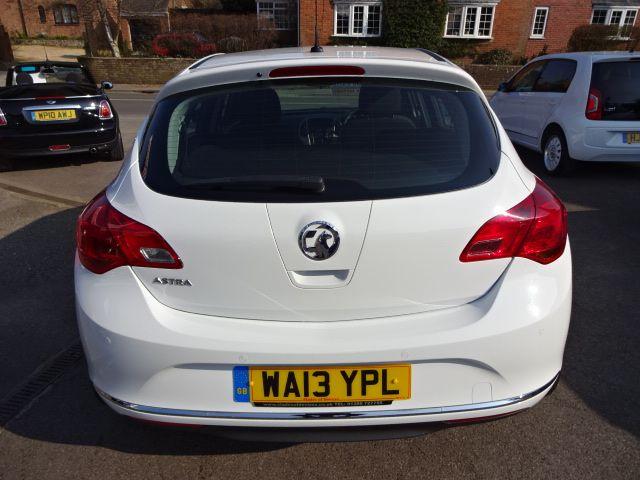 2013 Vauxhall Astra 1.4i image 5