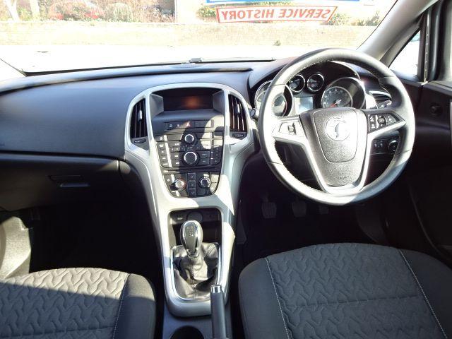 2013 Vauxhall Astra 1.4i image 8