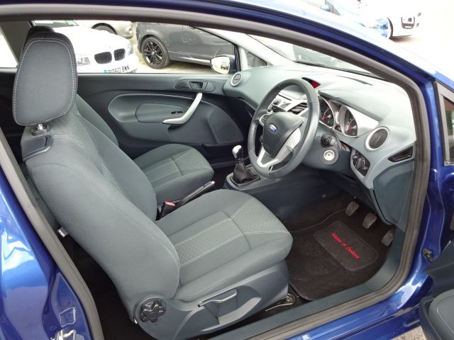 2010 Ford Fiesta 1.25 Zetec image 6