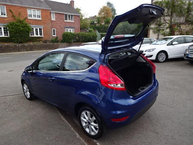 2010 Ford Fiesta 1.25 Zetec image 9