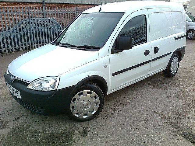 2012 Vauxhall Combo Van 1.7 Cdti image 2