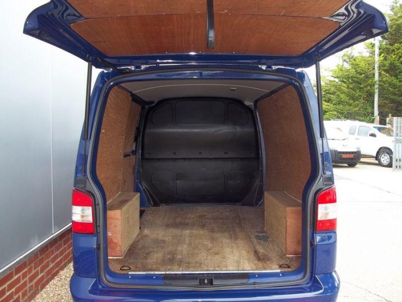 2011 Volkswagen Transporter T28 2.0 image 6