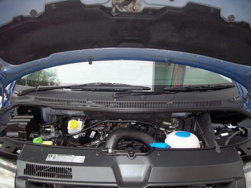 2011 Volkswagen Transporter T28 2.0 image 8