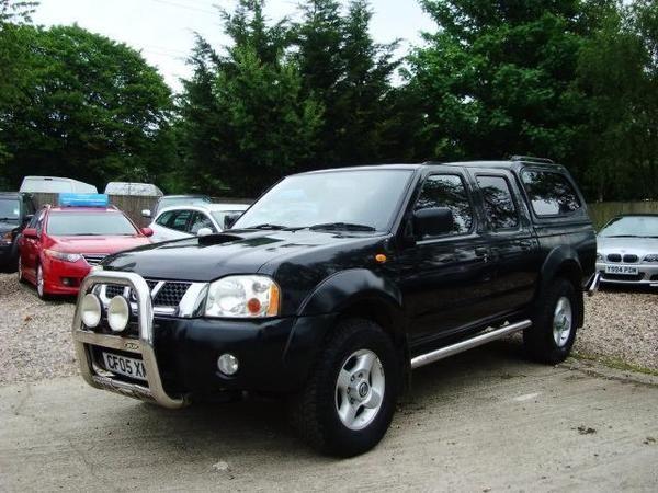 2005 Nissan Navara 2.5 Di Sport 4dr image 1