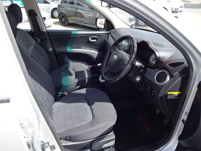 2010 Hyundai i10 Style image 8