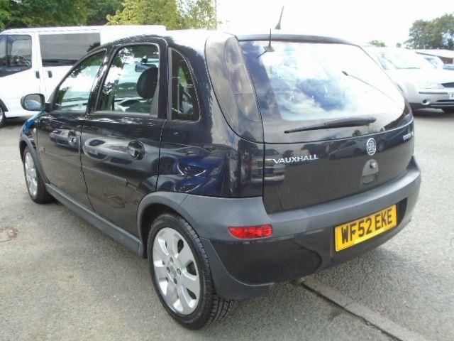 2002 Vauxhall Corsa 1.2 SXI 16V 5d image 3