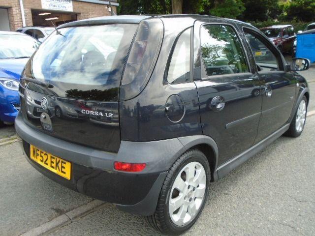 2002 Vauxhall Corsa 1.2 SXI 16V 5d image 4